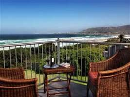 Hermanus Beach Villa is complimented by the magnificent views that Hermanus has to offer.