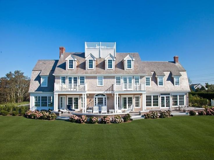 For 4 5m a classic shingle style estate on cape cod for Classic manor builders cabins