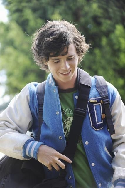 Still of Charlie McDermott in The Middle (2009)... He's so cute
