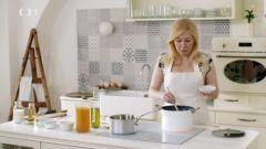 Rodinnou kuchařku s babiččinými recepty považuje Dita za svůj největší poklad. Podle ní připraví na chalupě koprovou omáčku se ztraceným vejcem, králíka na hořčici, bramboračku a usmaží nadýchané koblihy.