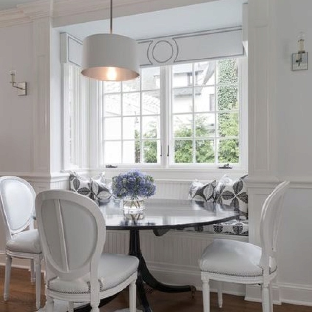 Love The Cornice Detail Over Window Seat Greenwich Residence