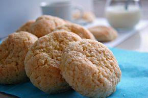 BISCOTTI ALLO YOGURT ricetta facile e veloce. Ottimi da inzuppare la mattina nel latte caldo, buoni nel tè del pomeriggio. Ideali per la merenda dei bambini