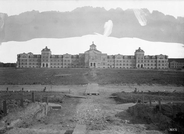 Main Building at Agricultural College, Winnipeg, Manitoba / Édifice principal du Collège agricole à Winnipeg, au Manitoba | by BiblioArchives / LibraryArchives