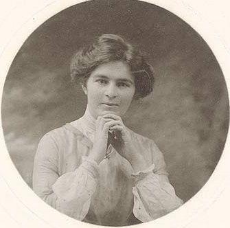 Nettie Palmer 18 August 1885 – 19 October 1964 She was born in Sandhurst (Bendigo), Victoria.