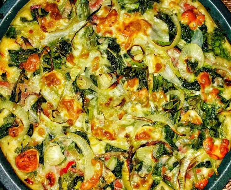 Pizza cime di rapa, pancetta, scamorza affumicata, peperoncino, scorza di limone di Ischia, cipollotti, cipolla, salvia secca, mozzarella...ecc