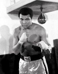 Muhammad Ali Bersyahadat di Atas Ring Tinju