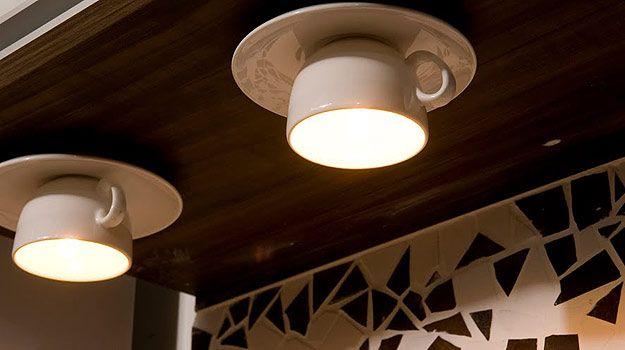 Luminárias decorativas de xícaras
