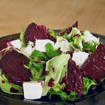 Салат из запеченной свеклы с сыром фета