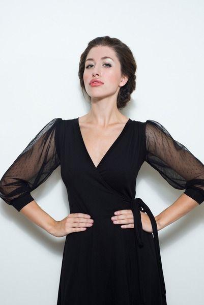 Schwarzes Wickelkleid mit durchsichtigen Ärmeln  von Chrystal auf DaWanda.com