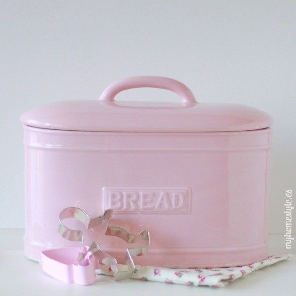 love this pink & I need something to keep bread fresh ~ although we don't eat a lot of it, it could hide kitchen stuff we do not use much~ yeah, that would work.