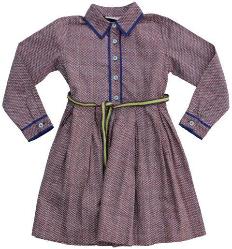 Maan - hemdjurk print - Een pracht van een jurk in een rustige, tabaksbruine print. Stijvol model met hemdkraagje en knopenrij tot in de taille. Het koningsblauwe biesje en het geel met wjnrode lintje maken de jurk echt af, net als de zwierige rok met plooitjes. 100% katoen.