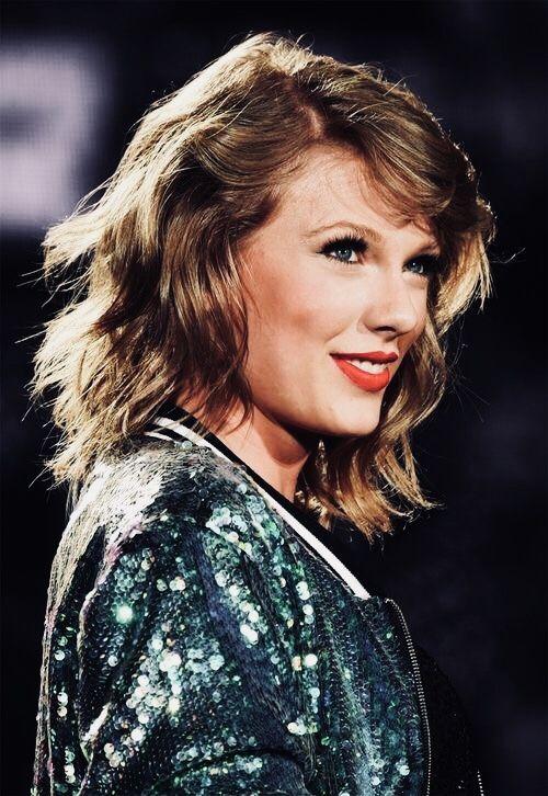 Taylor's pretty Nordic face