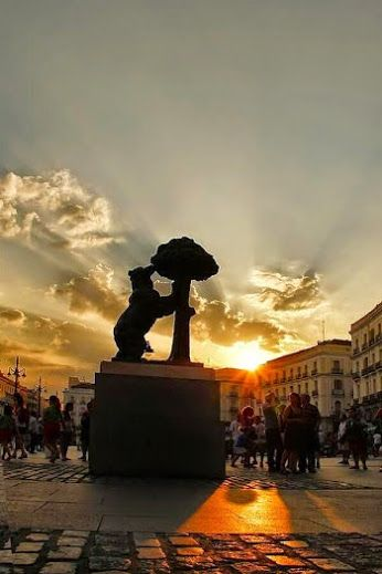 The symbol of Madrid in Puerta del Sol - Foto: Mari Paz Fernández: Google+