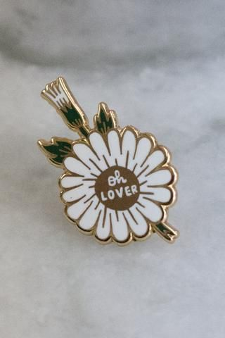 A lapel pin made in collaboration with Australian rock band The Paper Kites, inspired by their music and lyrics. Check them out at http://thepaperkites.com.au 31mm tall at its longest point. Gold meta