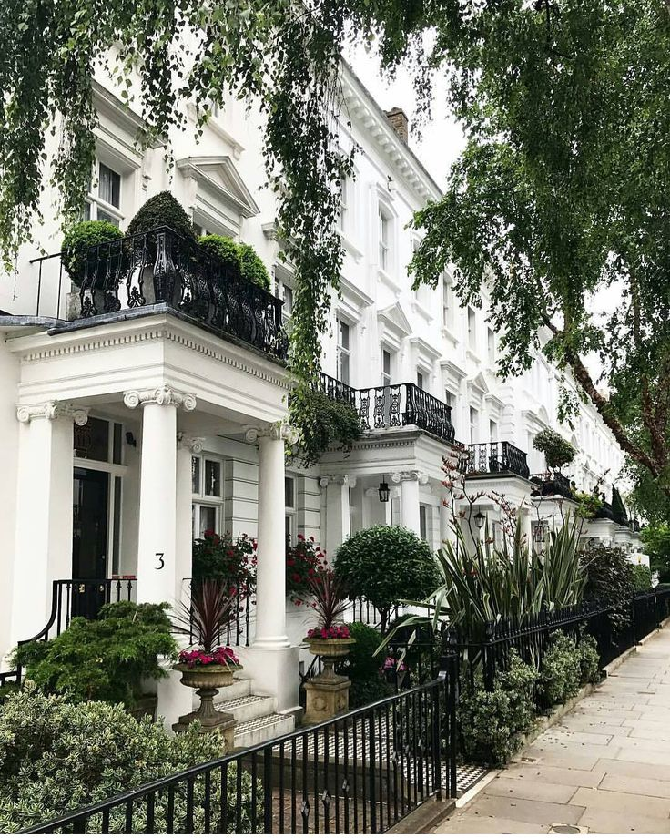 Chelsea, London.-.