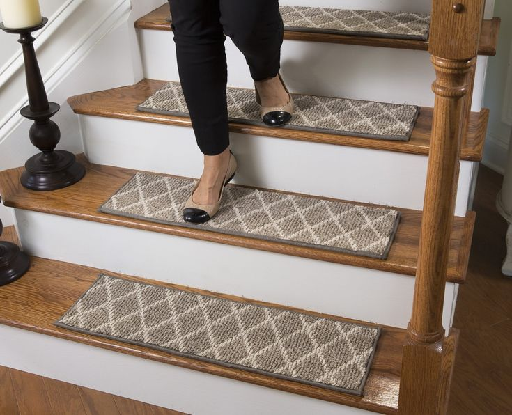 Best Parterre Bullnose Carpet Stair Tread With Adhesive Padding 400 x 300