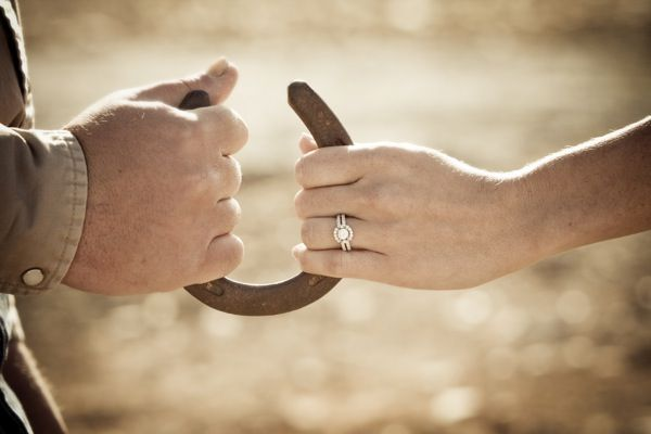 a ranch engagement shoot - Melissa Dunstan Photography