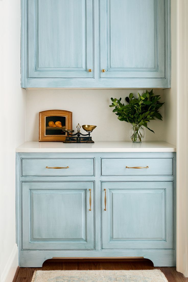 Hand Painted French Blue Bar Designed By Anne Wagoner Interiors Annewagonerinteriors Bar Kitchendesign Interior Home Goods Decor Classic Style