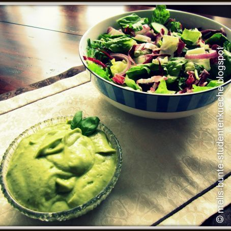 Cremiges Avocado-Dijon-Dressing
