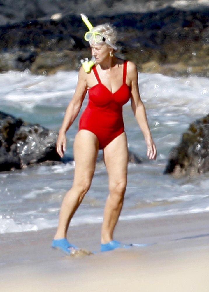 Celebrity Bikini Bodies Over 50 - Helen Mitten 69