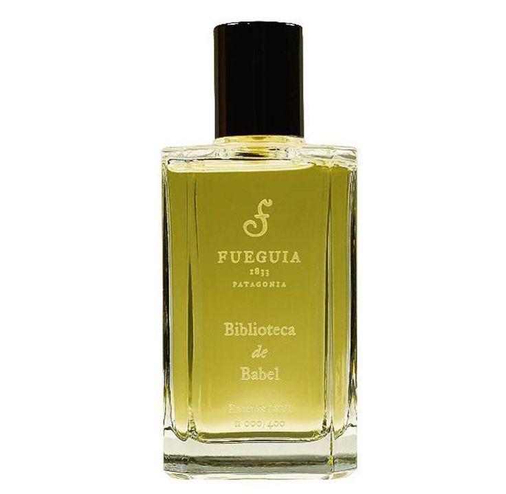 Das Belesene. Riecht nach alten Büchern, Tinte und speckigen Ledereinbänden  Fueguia 1833: Biblioteca de Babel, 100 ml Parfum, 247 Euro; fueguia.com