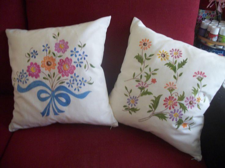 Cojines pintados a mano cojines pintados pinterest - Cojines pintados a mano ...