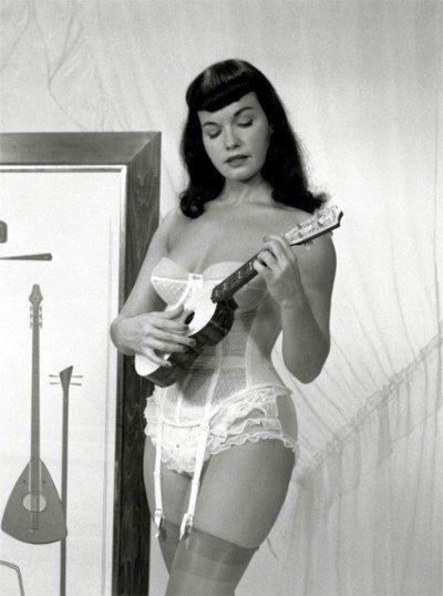 Betty Page & a Uke
