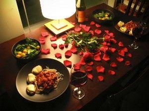 Una opción muy linda para decorar tu mesa este 14 de Febrero.