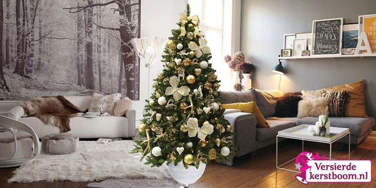 De Gorgeous Gold is een geliefde kerstboom, gedecoreerd in goud, champagne en wit tinten. De uitstraling van de boom is beelderig en charmant, deze boom wordt door vele mensen bemint omdat de kleurstelling vrij neutraal en toepasbaar is. Dat maakt deze boom zeker niet minder 'gorgeous'. Met deze boom beleefd u een gouden kerst!