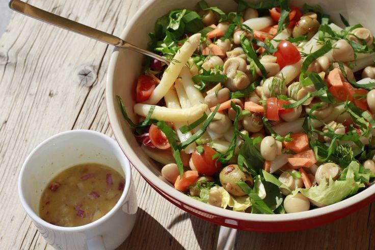 Frühlingssalat mit Bärlauch und Spargel