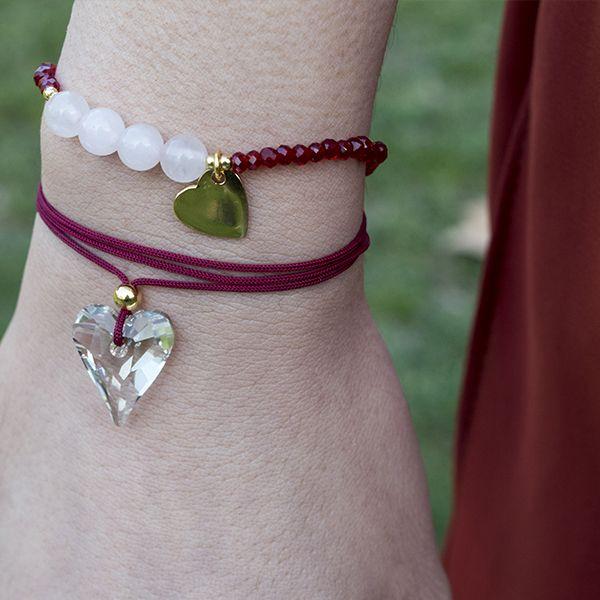 Pulsera de cristal checo y cuarzo rosa con detalles y cierre en Plata de Ley 925 con baño de oro. Un precioso regalo para San Valentín!