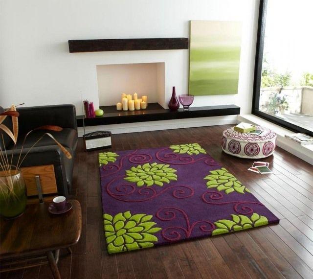 tapis-violet-motifs-floraux-vert-anis-tabouret-blanc-motifs-rouges ...