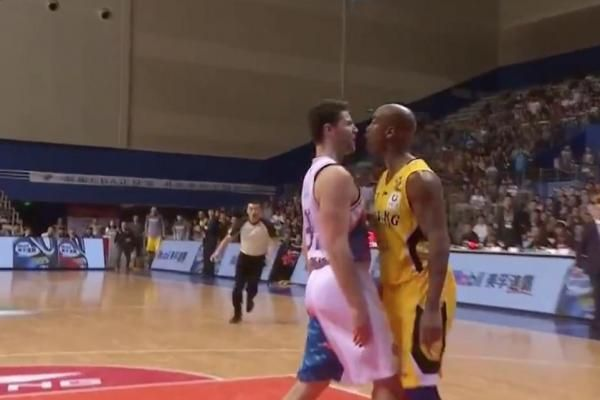 Stephon Marbury and Jimmer Fredette hashed some things out Friday during a Chinese Basketball Association game.