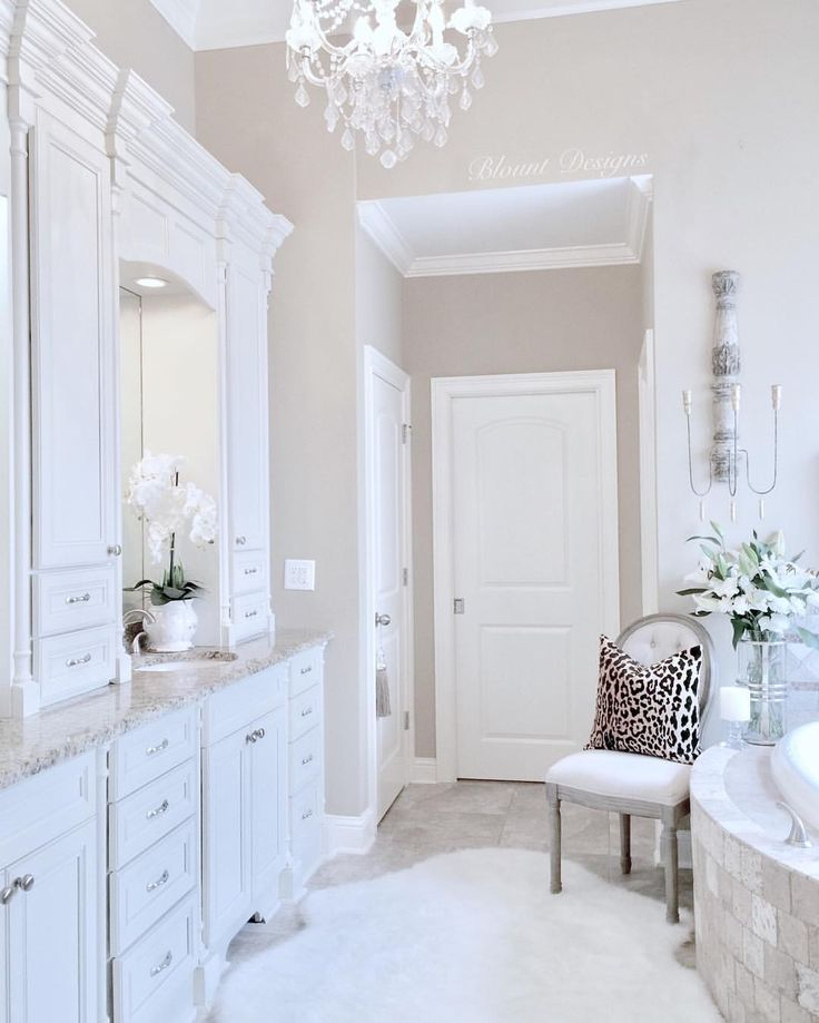 """702 Likes, 32 Comments - Deborah (@blountdesigns) on Instagram: """"Happy Hump Day, friends!. I did a little """"spring"""" refresh in the master bath today, because A)…"""""""