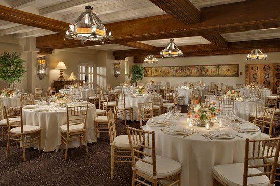 One of our absolute favorite #destination #wedding #locations - La Fonda Hotel #lafondaontheplaza