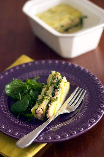 Terrine fria de batata e salmão.Gourmets Amadores. Veja a receita em: http://www.batatasdefranca.com/receitas/entradas.html#!prettyPhoto[terrine_batata_salmao]/0/  #Batata #Receita #Comida #Entradas #Batatas #Cozinhar #Terrine #fria #salmao #Gourmets