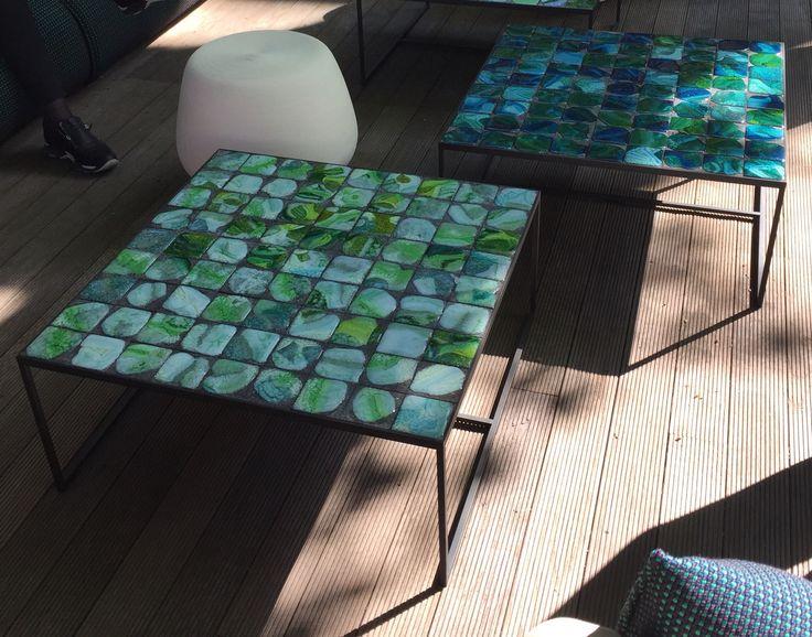 Fantastiskt snygga soffbord för utomhusbruk, foto tagit i Paola Lentis utställning i Milano Salone del Mobile.Milano 2016