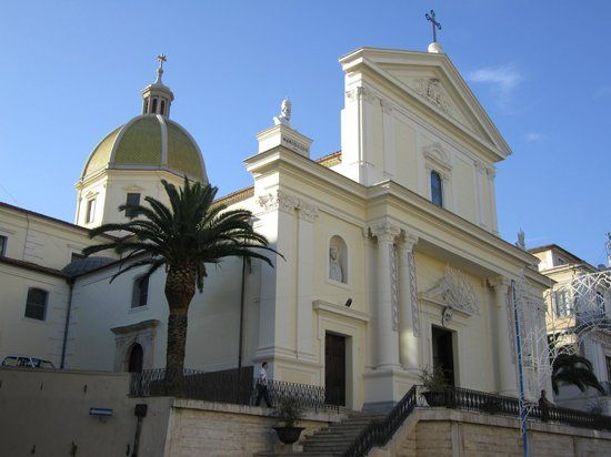 Cattedrale dei Santi Pietro e Paolo, Lamezia Terme: See 34 reviews, articles, and 13 photos of Cattedrale dei Santi Pietro e Paolo, ranked No.3 on TripAdvisor among 30 attractions in Lamezia Terme.