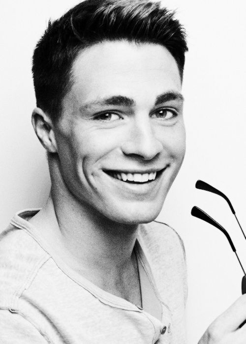 Colton Haynes - Not sure if I've ever seen him in anything...don't care...that face, those dimples - ah!