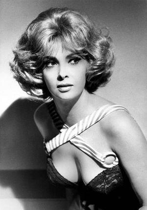 イタリアの美人女優ジーナ・ロロブリジーダ❤︎
