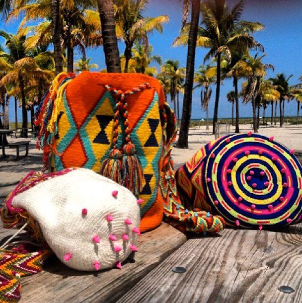 New obsession! Mariyuu York mochilas. Gorgeous bright cross body bags.