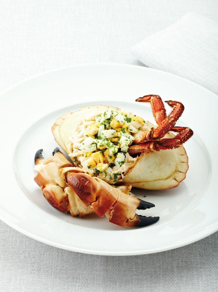 Bereiden:Kook de krab:Maak een court-bouillon met het kruidentuiltje, selder, wortel, ui, peper en zeezout. Laat een 15 min. trekken. Leg de krabben in de kokende bouillon. Laat ca. 8 min. koken, neem de kookpot van het vuur en laat krab samen met de bouillon afkoelen.Vul de krab: