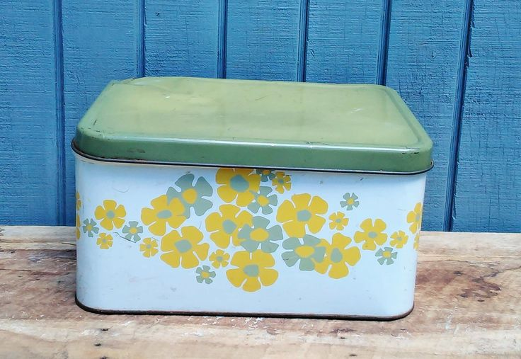 Vintage Bread Box - Retro Kitchen - Flower Bread Box - Green Bread Box by theindustrycottage on Etsy