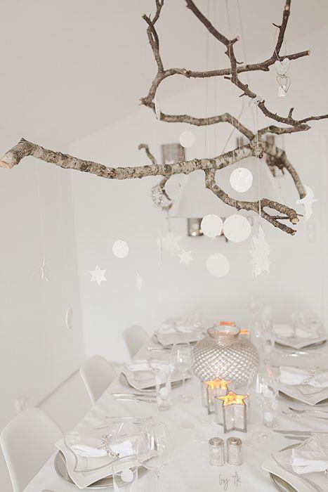 Weisse Tischdeko Für Die Weihnachtstafel