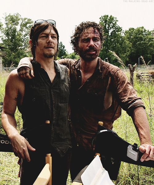 Norman Reedus & Andrew Lincoln on set of 4x08 'Too Far Gone'