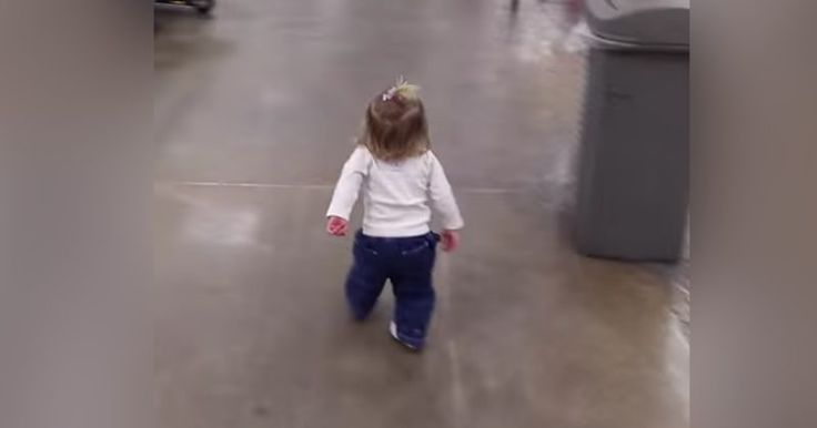 Watch This Little Girl Spread Love And Joy In A Grocery Store