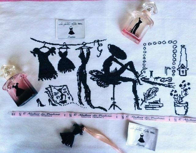 la petite robe noire de Guerlain chez http://atelierdepiatine.canalblog.com