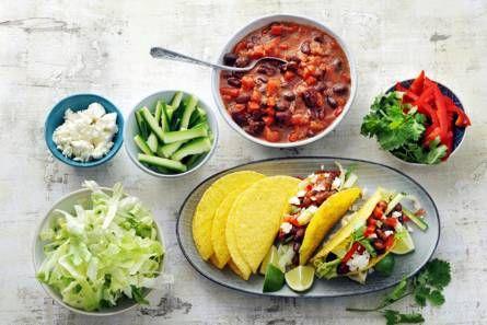 Knapperige taco's met kruidige bonen en feta