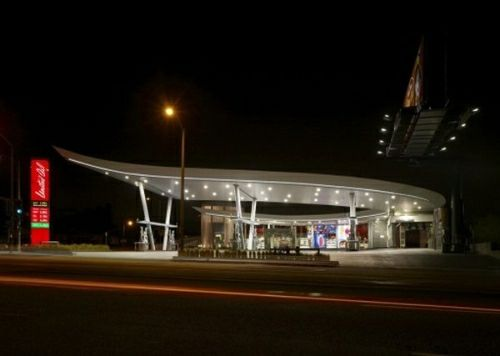united_oil_gasoline_station_06