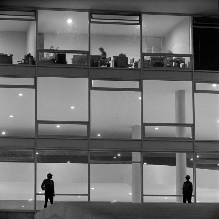 Palácio do Planalto, Brasília – 1960. (Peter Scheier/Acervo Instituto Moreira Salles)